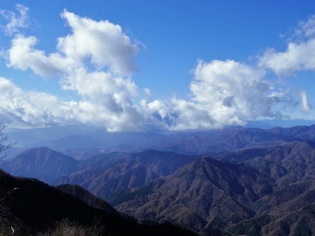 檜洞丸(板小屋沢~石棚山稜)登山口コースガイド 山頂からの西丹沢と富士山【登山口ナビ】