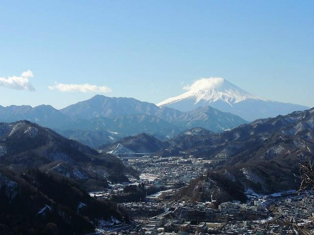 秀麗富嶽十二景 8番山頂 登山口コースガイド 岩殿山山頂【登山口ナビ】