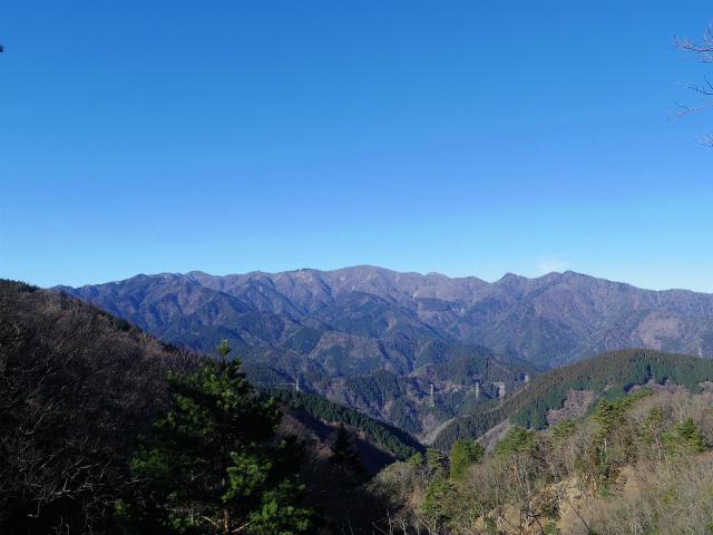 三峰山(物見峠~不動尻周回)登山口コースガイド ピークからの塔ノ岳・丹沢山の眺望【登山口ナビ】
