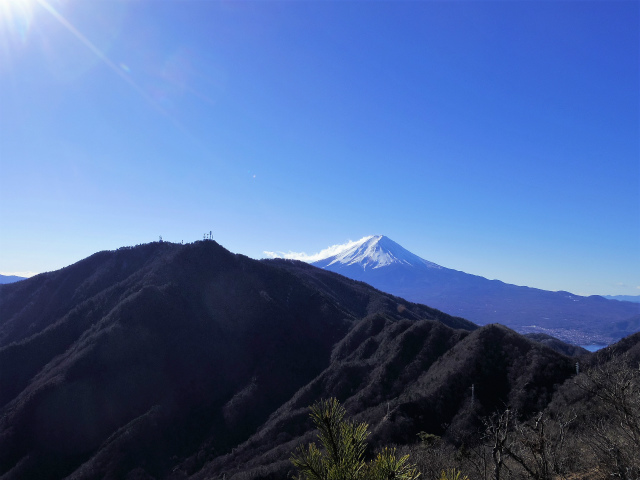 三ツ峠山(本社ヶ丸~清八山) 本社ヶ丸山頂からの富士山【登山口コースガイド】