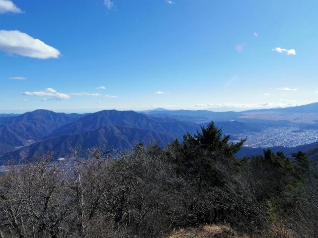 三ツ峠山(北口登山道)登山口コースガイド 開運山山頂からの西丹沢の眺望【登山口コースガイド】