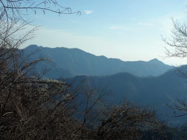 丹沢山(宮ケ瀬~丹沢三峰)登山口コースガイド 木間から仏果山・経ヶ岳【登山口ナビ】