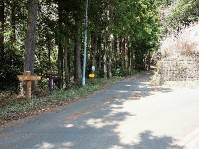 三ノ塔(三ノ塔尾根) 登山口コースガイド 荻山林道入口【登山口ナビ】
