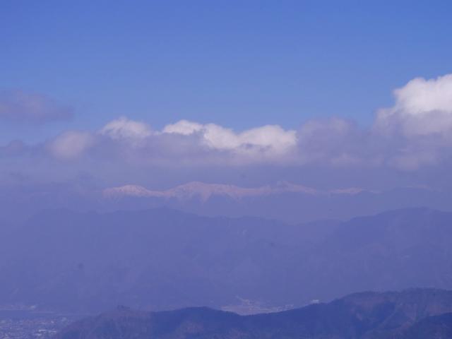 杓子山(鳥居地峠~高座山)登山口コースガイド 杓子山山頂からの南アルプスの眺望【登山口ナビ】
