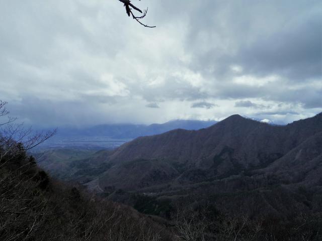 曲岳・黒富士(観音峠大野山林道コース)登山口コースガイド 展望ブリッジからの南アルプス【登山口ナビ】
