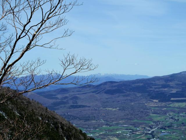 毛無山(不動の滝コース)登山口コースガイド 富士山展望台から御正体山や丹沢山地の眺望【登山口ナビ】