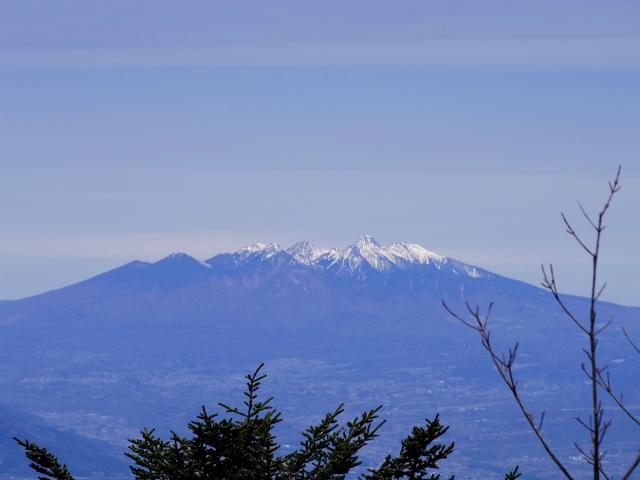 毛無山(不動の滝コース)登山口コースガイド 稜線分岐の岩の展望台からの八ヶ岳【登山口ナビ】