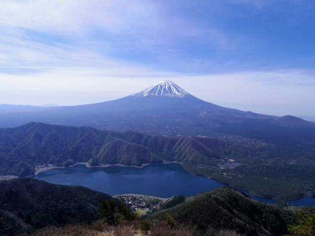 鬼ヶ岳(雪頭ヶ岳~鍵掛峠周回)登山口コースガイド 展望地からの西湖と富士山の眺望【登山口ナビ】