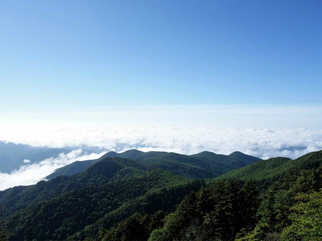 袈裟丸山(郡界尾根~後袈裟~奥袈裟)登山口コースガイド 関東平野の展望【登山口ナビ】