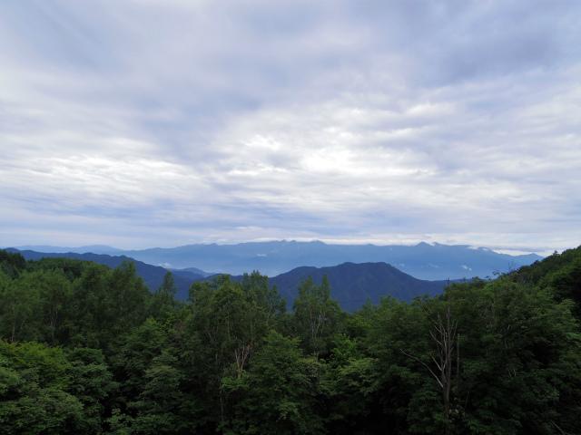 仙丈ヶ岳(地蔵尾根 松峰コース)登山口コースガイド 林道からの中央アルプス眺望【登山口ナビ】