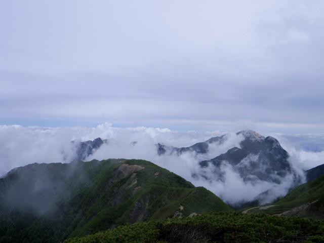 仙丈ヶ岳(地蔵尾根 松峰コース)登山口コースガイド 稜線からの甲斐駒ヶ岳【登山口ナビ】