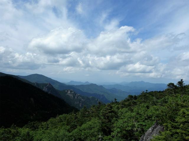 国師ヶ岳・北奥千丈岳(大弛峠~夢の庭園) 登山口コースガイド 夢の庭園木道からの眺望【登山口ナビ】