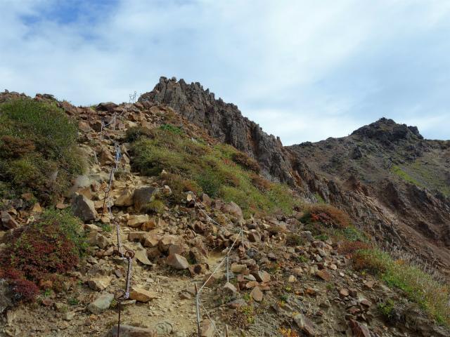 那須岳(朝日岳~姥ヶ平) 登山口コースガイド 急峻な稜線【登山口ナビ】