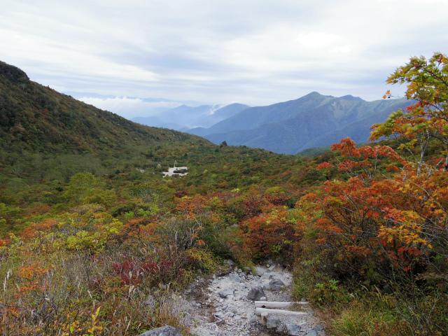 那須岳(朝日岳~姥ヶ平) 登山口コースガイド 姥ヶ平上部からの眺望【登山口ナビ】