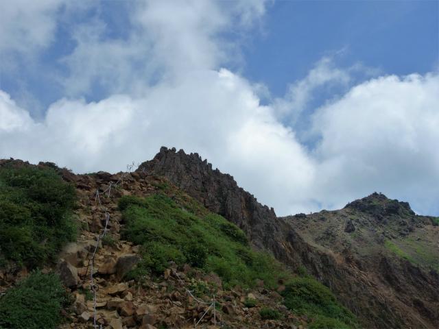 那須岳(朝日岳~三本槍岳) 登山口コースガイド 急峻な稜線【登山口ナビ】