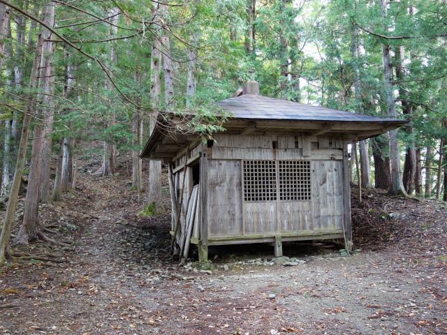 鷹ノ巣山(浅間尾根)登山口コースガイド 浅間神社【登山口ナビ】