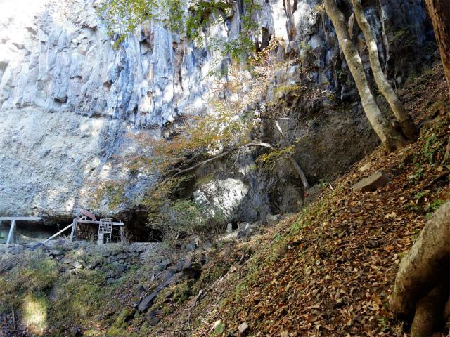 荒船山(威怒牟畿不動~艫岩~左岸コース周回)登山口コースガイド 不動【登山口ナビ】