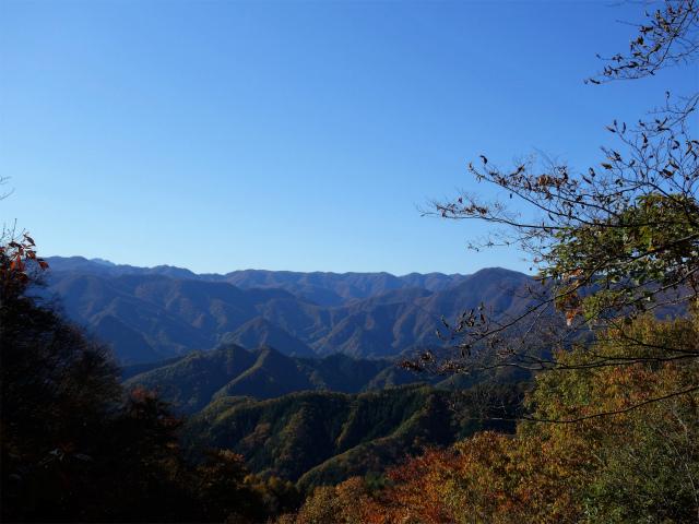 荒船山(威怒牟畿不動~艫岩~左岸コース周回)登山口コースガイド 不動滝上部からの眺望【登山口ナビ】