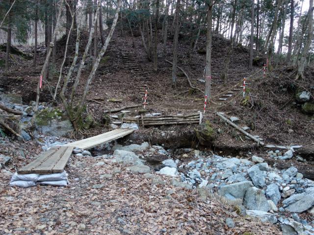 大室山(道志の湯~加入道山)登山口コースガイド 水源林入口【登山口ナビ】