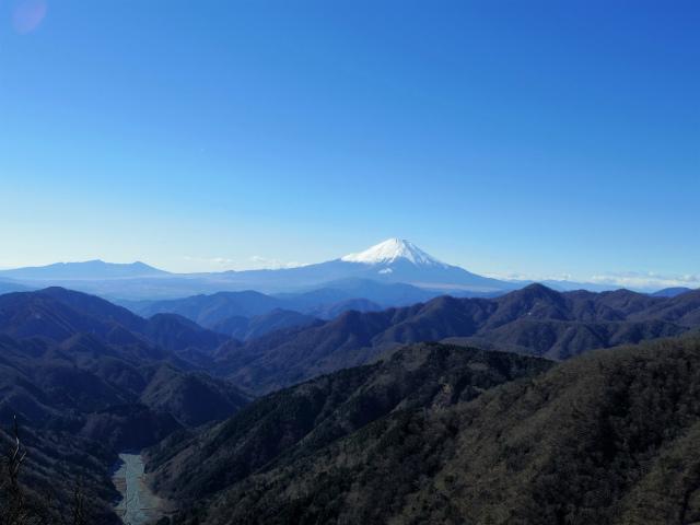 丹沢山(天神尾根~丹沢主脈)登山口コースガイド 稜線からの富士山【登山口ナビ】
