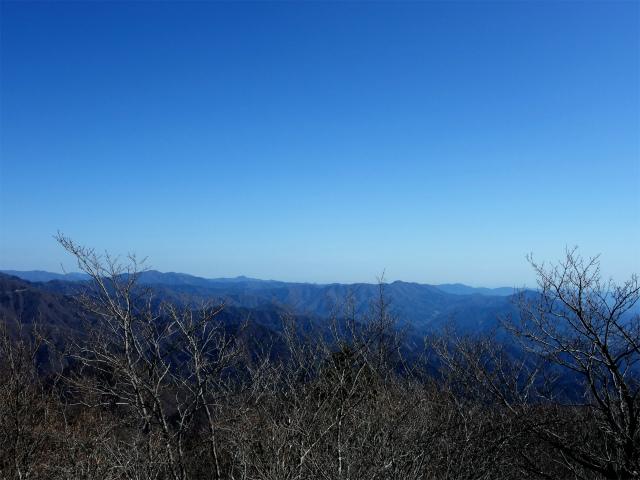 滝子山(南陵/寂ショウ尾根)登山口コースガイド 山頂からの奥多摩【登山口ナビ】