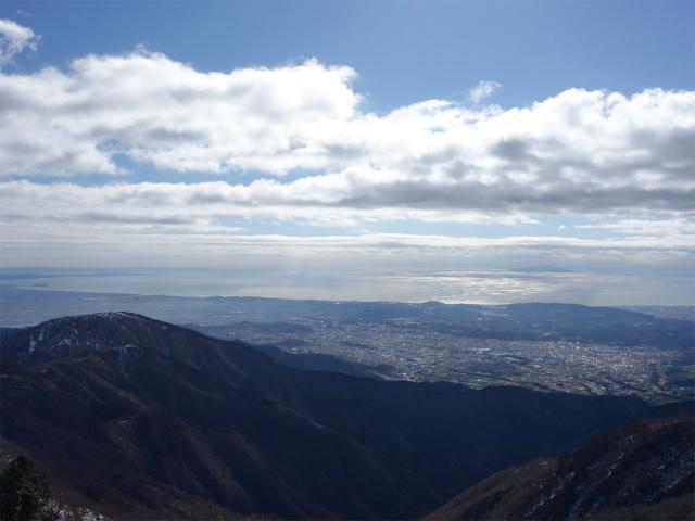 塔ノ岳(二俣~大倉尾根コース) 登山口コースガイド 塔ノ岳山頂からの相模湾と初島・大島【登山口ナビ】