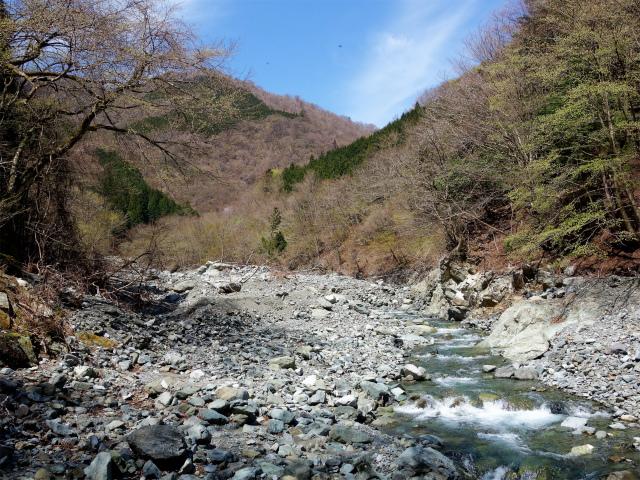 早戸大滝(最新版/台風19号後の状況)コースガイド 雷平【登山口ナビ】
