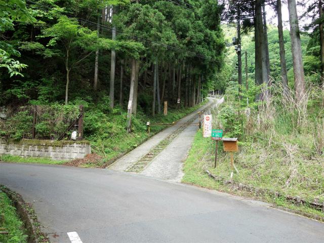 大山(日向~雷ノ峰尾根)登山口コースガイド 日向キャンプ場入口【登山口ナビ】