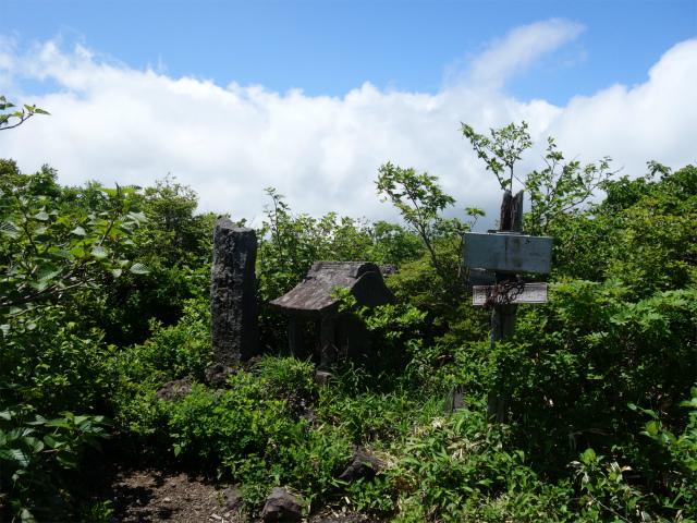南月山(沼原~白笹山)登山口コースガイド 南月山神社【登山口ナビ】
