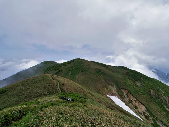 平標山/仙ノ倉山(松手山コース)登山口コースガイド 仙ノ倉山の山容【登山口ナビ】