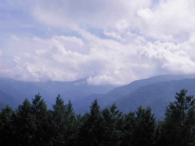 雲取山(霧藻ヶ峰・三峰ルート)登山口コースガイド【登山口ナビ】