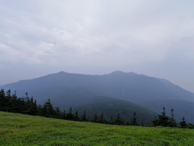 北横岳(大河原峠~双子池)登山口コースガイド 双子山山頂からの北横岳の展望【登山口ナビ】