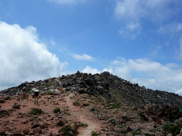 那須岳(茶臼岳~姥ヶ平)登山口コースガイド 山頂直下【登山口ナビ】