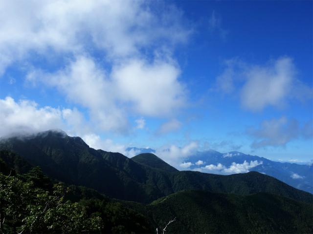 八ヶ岳・阿弥陀岳(御小屋尾根)登山口コースガイド 権現岳と南アルプス【登山口ナビ】