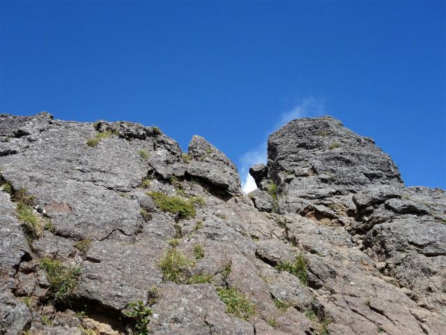 八ヶ岳・権現岳(西岳~源治新道)登山口コースガイド 権現岳の岩峰【登山口ナビ】