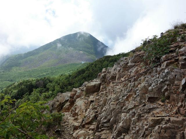 八ヶ岳・権現岳(西岳~源治新道)登山口コースガイド 東ギボシの鎖場【登山口ナビ】