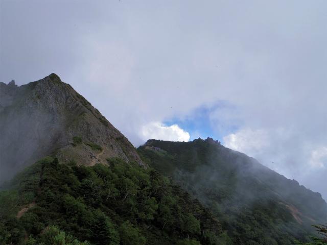 八ヶ岳・権現岳(西岳~源治新道)登山口コースガイド 西ギボシ【登山口ナビ】