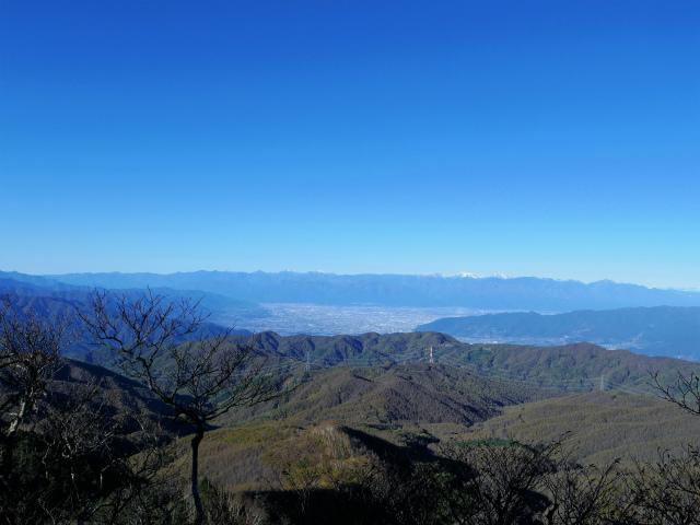 牛奥ノ雁ヶ腹摺山・小金沢山(大峠~黒岳)登山口コースガイド 稜線から南アルプスの眺望【登山口ナビ】