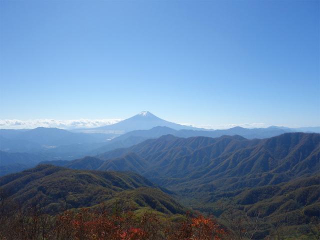 雁ヶ腹摺山(大峠~シオジの森周回)登山口コースガイド 露岩から富士山の眺望【登山口ナビ】