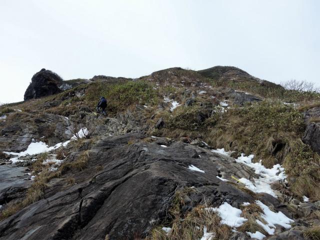 谷川岳 トマノ耳/オキノ耳(西黒尾根)登山口コースガイド 氷河の跡【登山口ナビ】