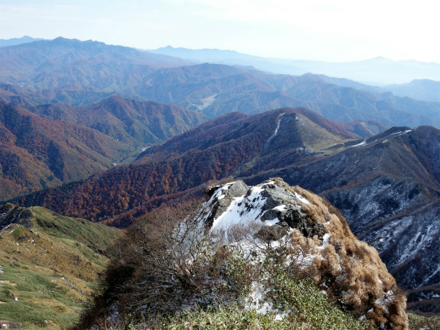 谷川岳 トマノ耳/オキノ耳(西黒尾根)登山口コースガイド ザンゲ岩【登山口ナビ】