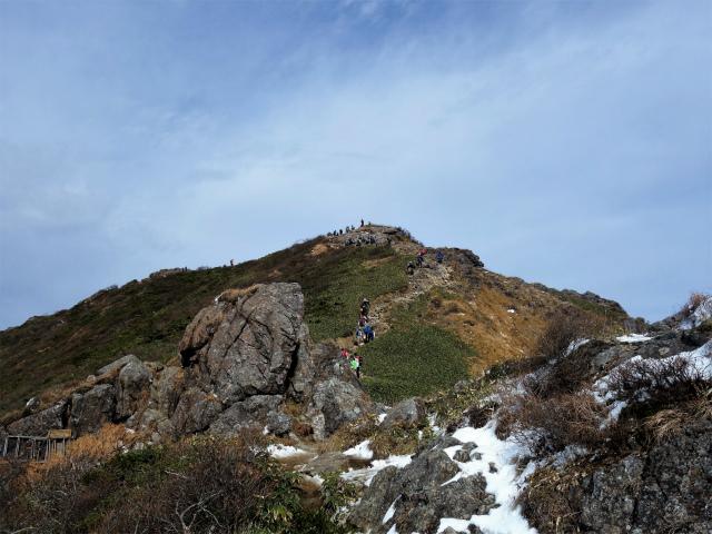 谷川岳 トマノ耳/オキノ耳(西黒尾根)登山口コースガイド 鞍部【登山口ナビ】