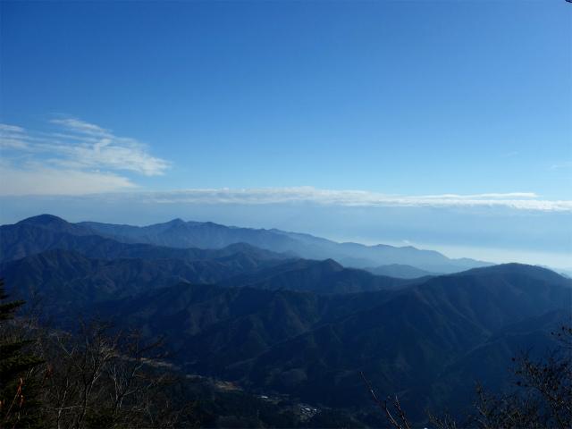 御正体山(道坂峠コース)登山口コースガイド 西丹沢の眺望【登山口ナビ】