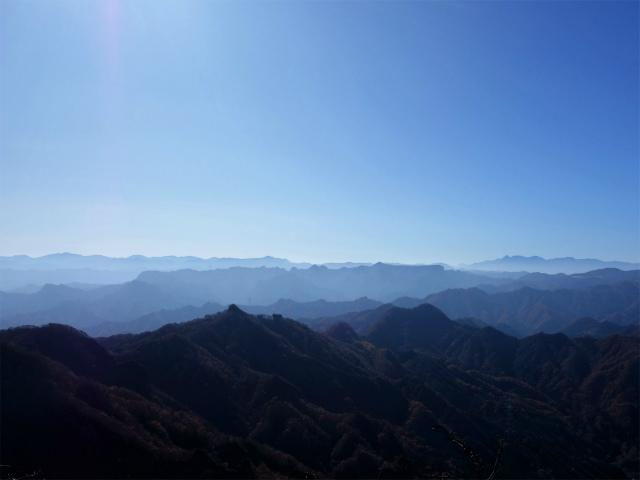 谷急山(旧国民宿舎~三方境)登山口コースガイド 谷急山山頂からの荒船山と八ヶ岳【登山口ナビ】