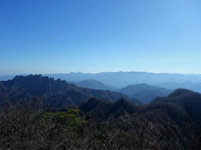 谷急山(旧国民宿舎~三方境)登山口コースガイド 谷急山山頂からの表妙義と奥秩父【登山口ナビ】