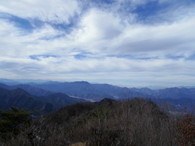 今倉山・高岩(道坂峠~パラジマ沢コース)登山口コースガイド 赤岩山頂からの三ツ峠・南アルプスの眺望【登山口ナビ】