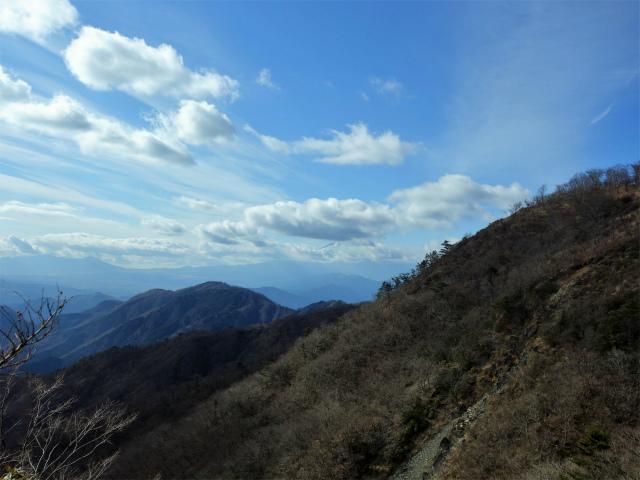 塔ノ岳(二俣~小丸尾根)登山口コースガイド マルガヤ尾根越しの富士山【登山口ナビ】