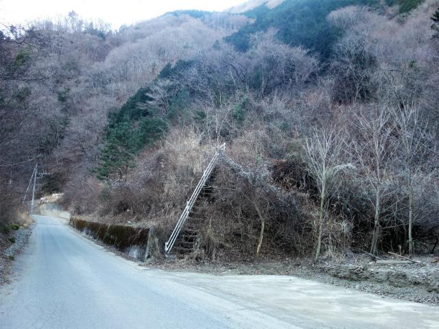 大室山(折花橋~鐘撞山)登山口コースガイド 折花橋駐車スペース【登山口ナビ】