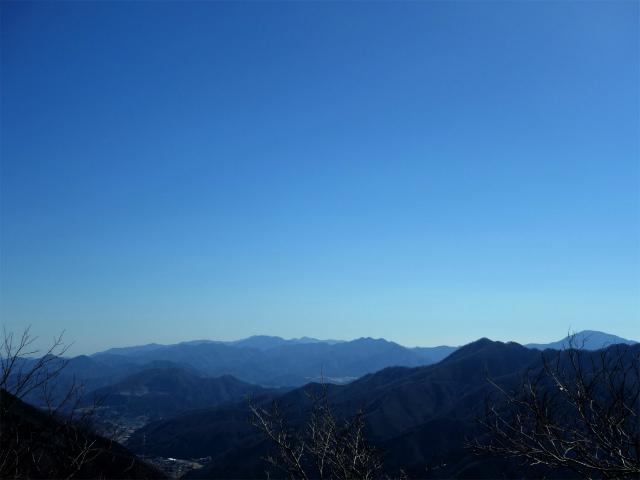 笹子雁ヶ腹摺山(吉田口~笹子峠周回)登山口コースガイド 反射板からの道志山塊の眺望【登山口ナビ】
