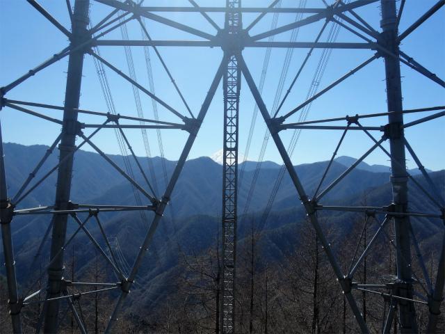 笹子雁ヶ腹摺山(笹子峠)登山口コースガイド 送電線鉄塔越しの富士山【登山口ナビ】